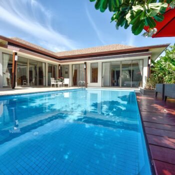Exterior Modern tropical Villa with swimming pool